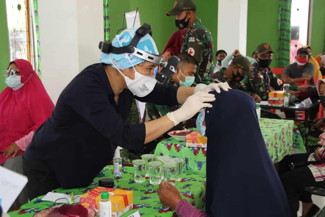 Meriahkan HUT TNI Ke – 76, Satgas Yonif 131 Menggelar Baksos Terpadu di Papua
