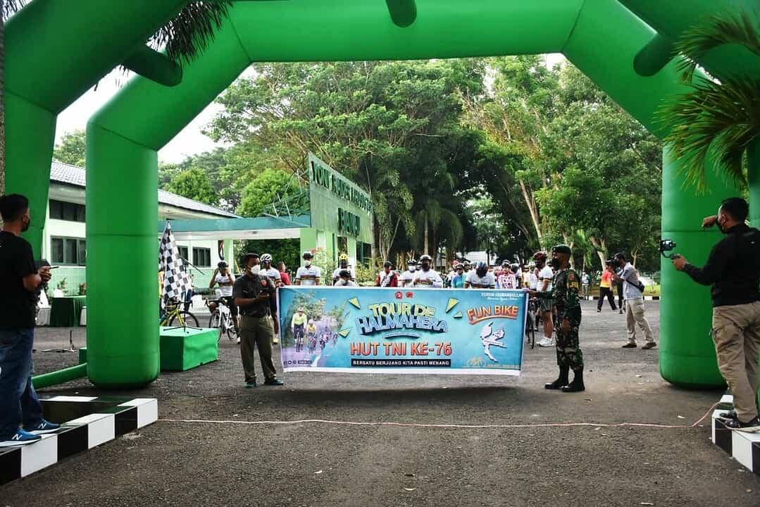 Tour de Halmahera Etape Jailolo – Sofifi Dalam Rangka HUT ke -76 TNI Sukses Digelar