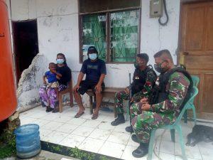 Satgas Yonif 512/QY Pupuk Rasa Kekeluargaan di Perbatasan Papua Melalui Anjangsana