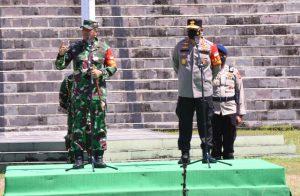 Pangdam XVIII/Kasuari dan Kapolda Papua Barat Pimpin Apel Gelar Pasukan Dalam Rangka Pam VVIP Kunker Wapres RI