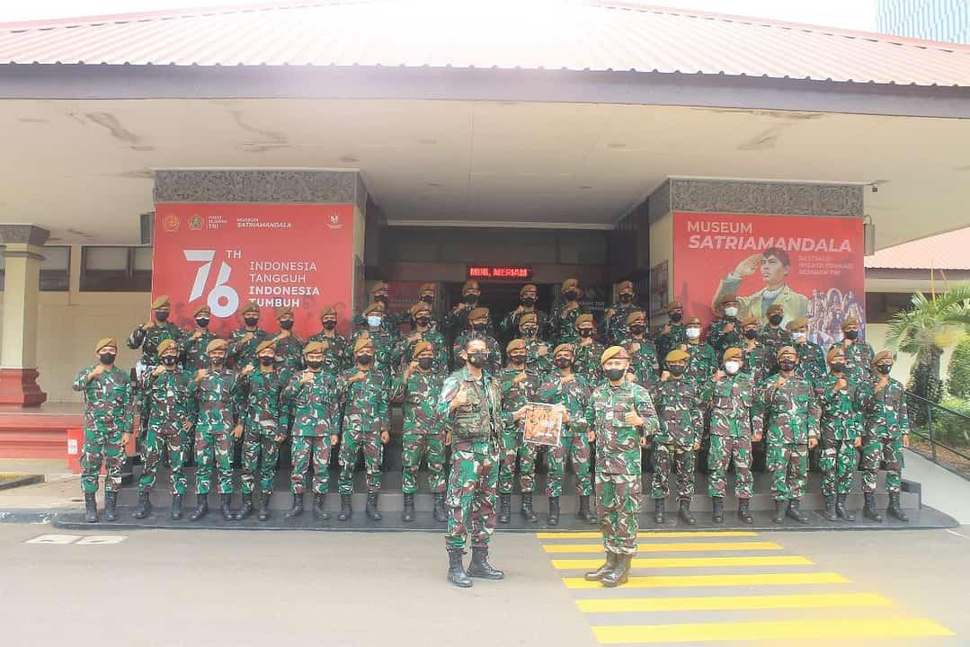 Wisata Edukasi Prajurit Gagak Hitam ke Museum Satria Mandala