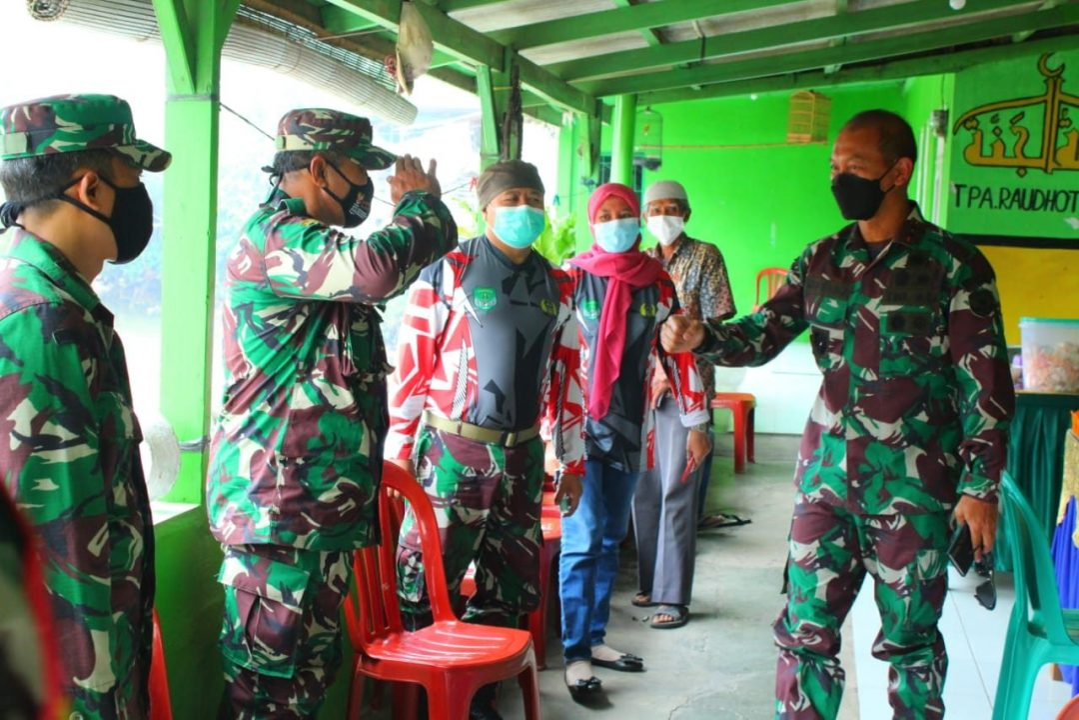 Pangdam Jaya Tinjau Vaksinasi di Koramil 01/Panmas Kodim 0508/Depok