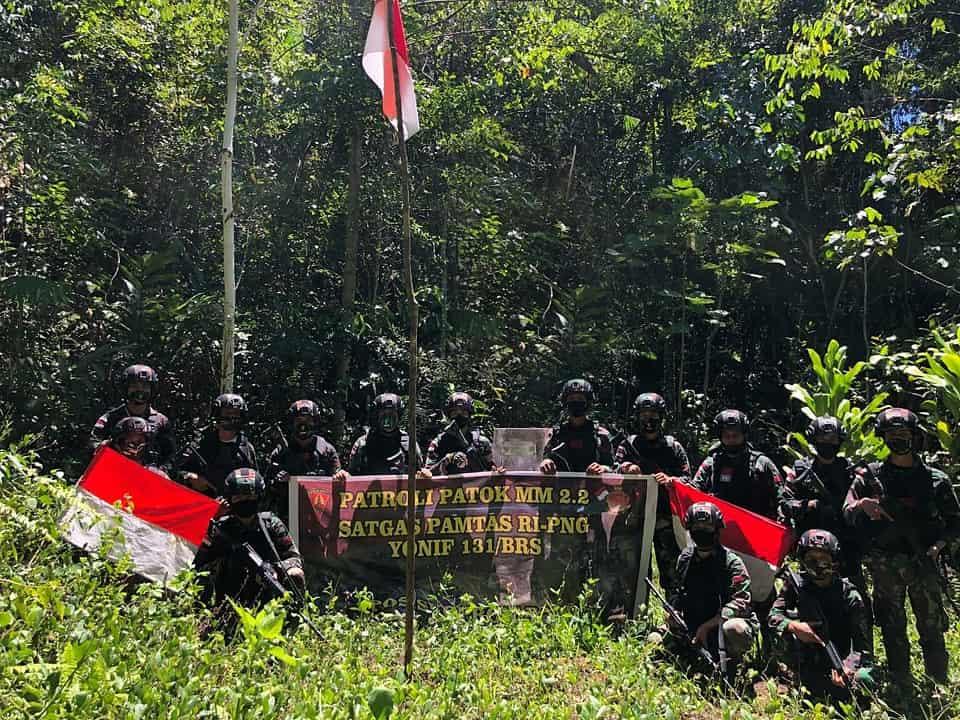 Jaga Kedaulatan Wilayah, Satgas Yonif 131 Gelar Patroli Patok Batas