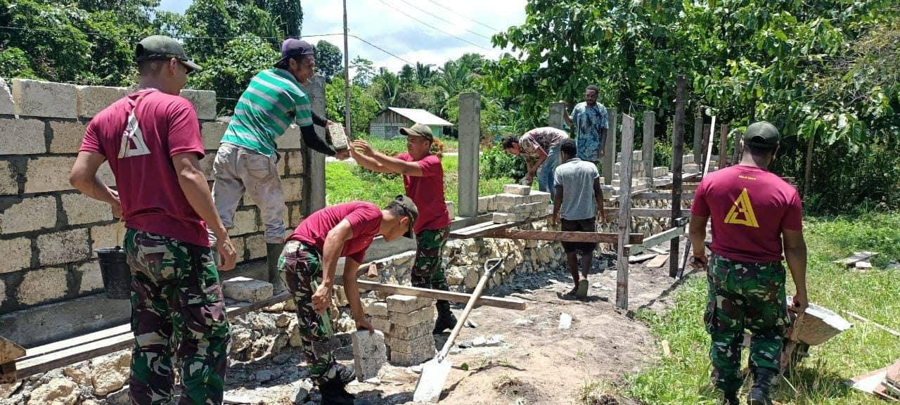 Satgas Yonif 131 Perindah Gereja di Skouw Mabo Papua