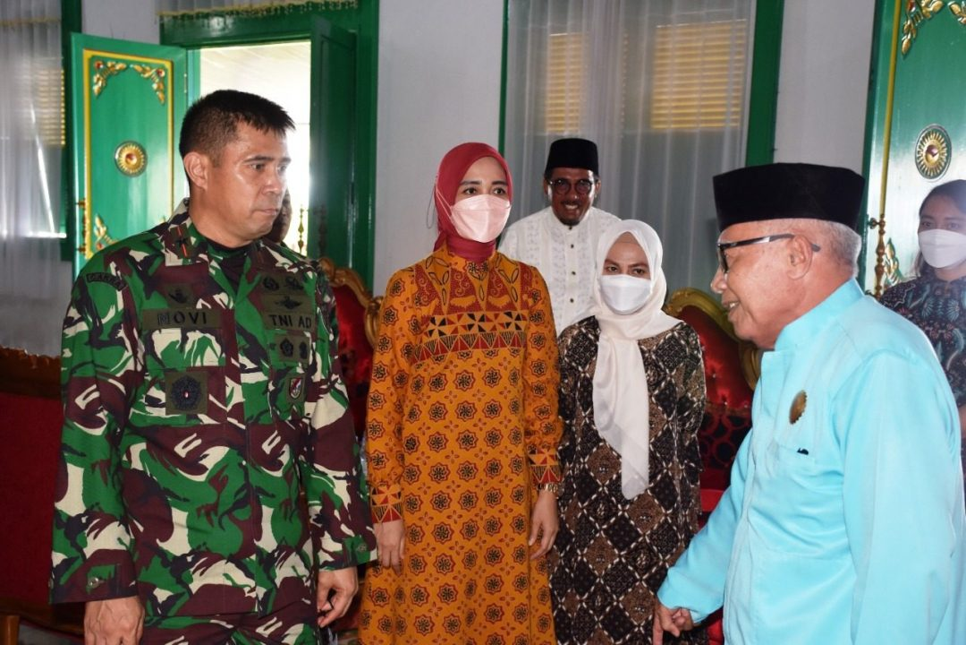 Danrem 152/Baabullah Silaturahmi dan Tatap Muka di Kantor Walikota Tidore