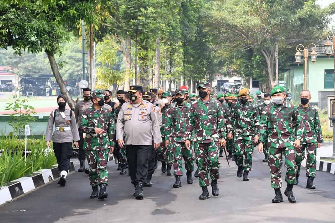 Aspers Kasad Meninjau Kegiatan Kolaborasi Pendidikan Terintegrasi TNI AD – POLRI TA 2021 di Pussenif