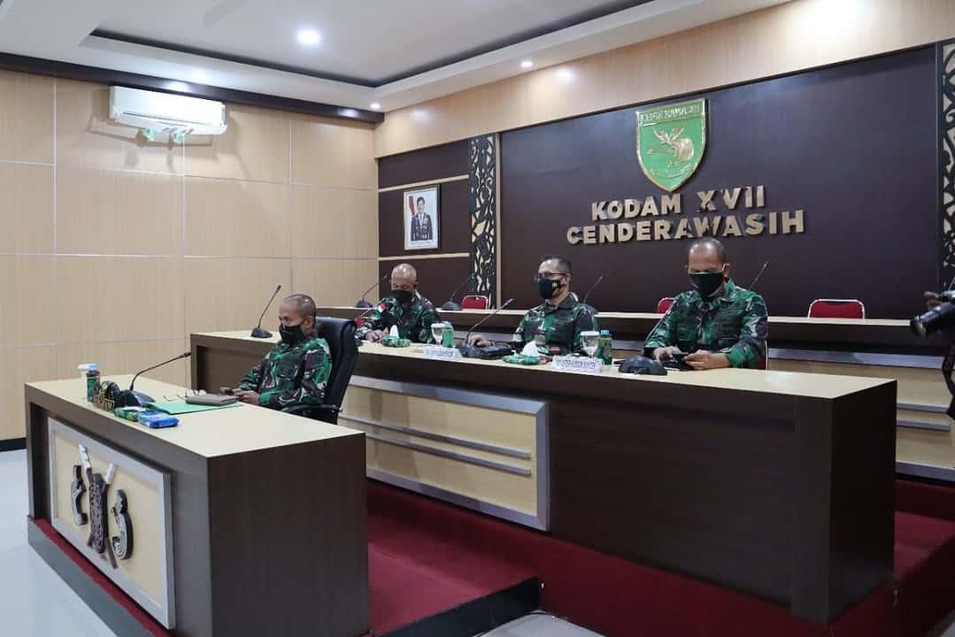 Bahas Penanganan Covid-19, Pengamanan Natal dan Tahun Baru, Pangdam XVII/Cenderawasih Ikuti Vicon Dengan Panglima TNI